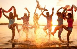Bild: beach party © yanlev / fotolia