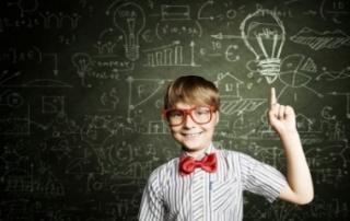 Bild: Smart schoolboy: © Sergey Nivens / fotolia